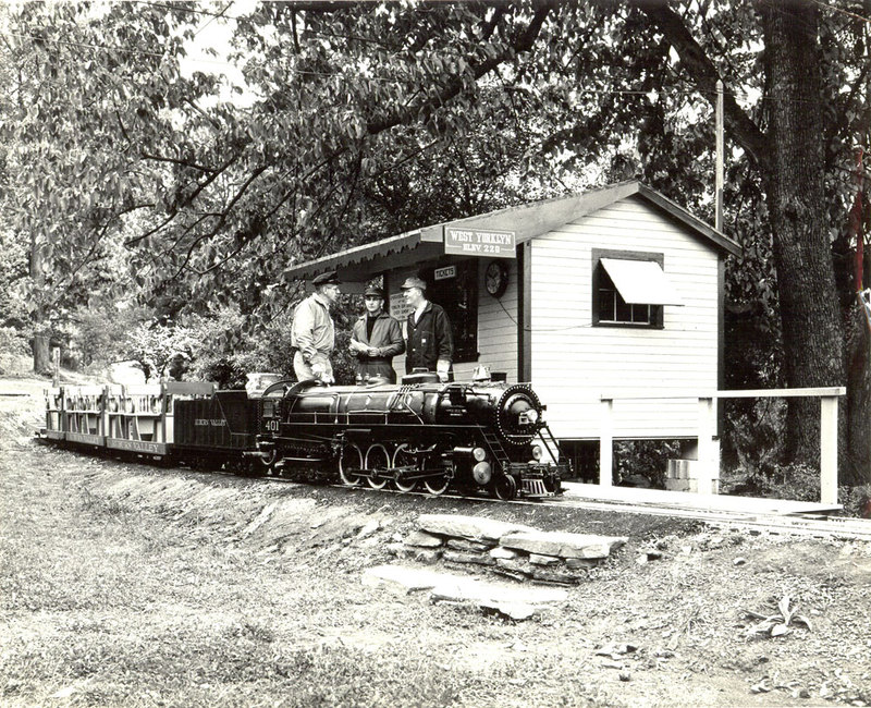 1-no-label---Tom-and-others-with-401-@-West-Yorklyn-ticket-station,-1960's-adj.jpg