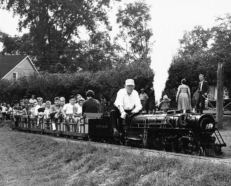 T. Clarence Marshall leaving West Yorklyn Station