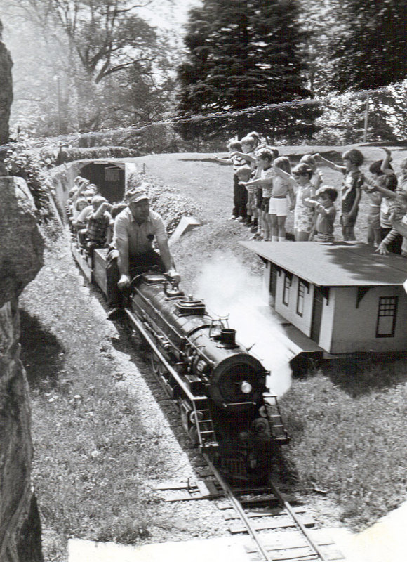Engine leaving Steam Hill Tunnel