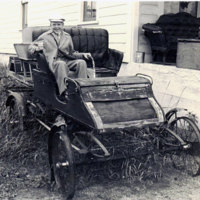 Tom-in-probably-the-1st-steam-car-he-saw-.jpg